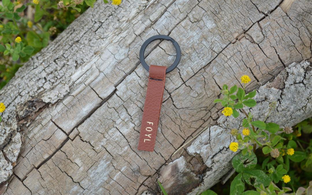 Porte-clé brun